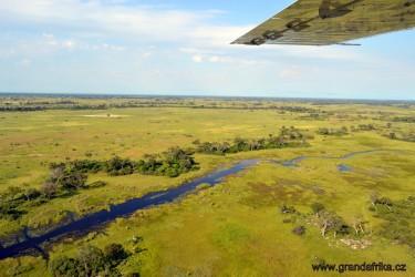 let nad deltou Okavango