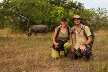 Matej s manželkou Zuzanou během natáčení nosorožců v Ugandě