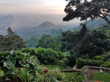 inspekční cesta do Malawi - výhled Zomba Plateau